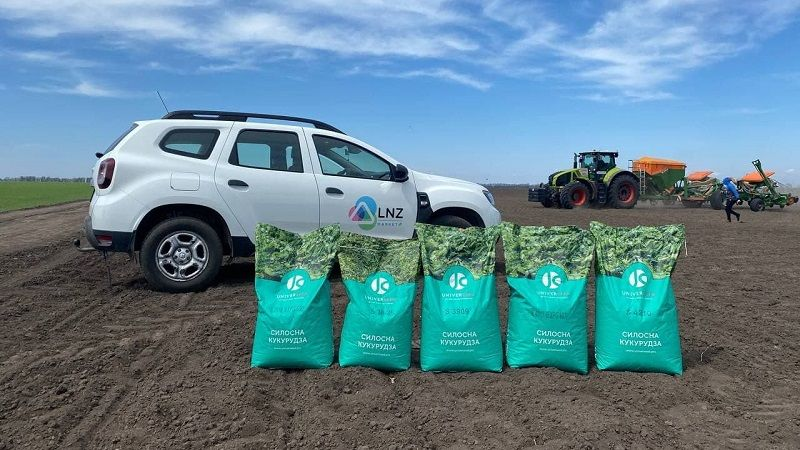 В рамках Silage workshop компанія LNZ Group почала сівбу кукурудзи UNIVERSEED фото 1 LNZ Group