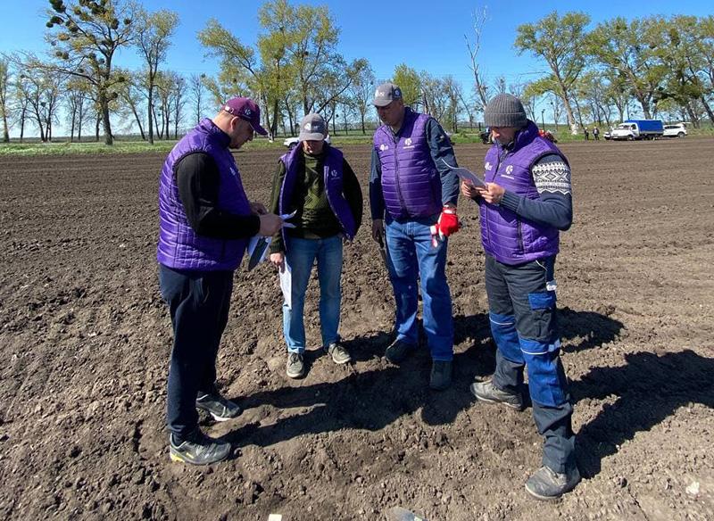 Обробіток ґрунту, норми висіву, варіанти підходів до технологій вирощування — наочно продемонструє LNZ Hub 4.0 фото 2 LNZ Group