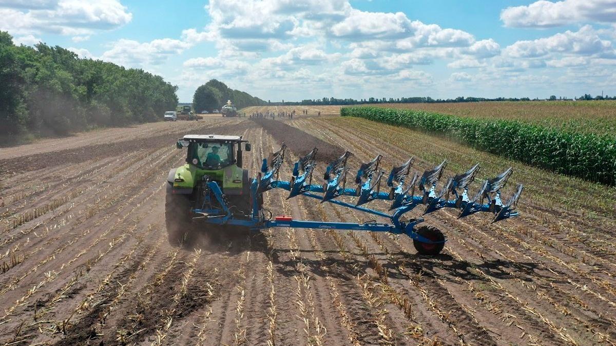 LNZ Silage Workshop: ідеальний набір техніки для силосування від фермерського господарства Острійківське фото 7 LNZ Group
